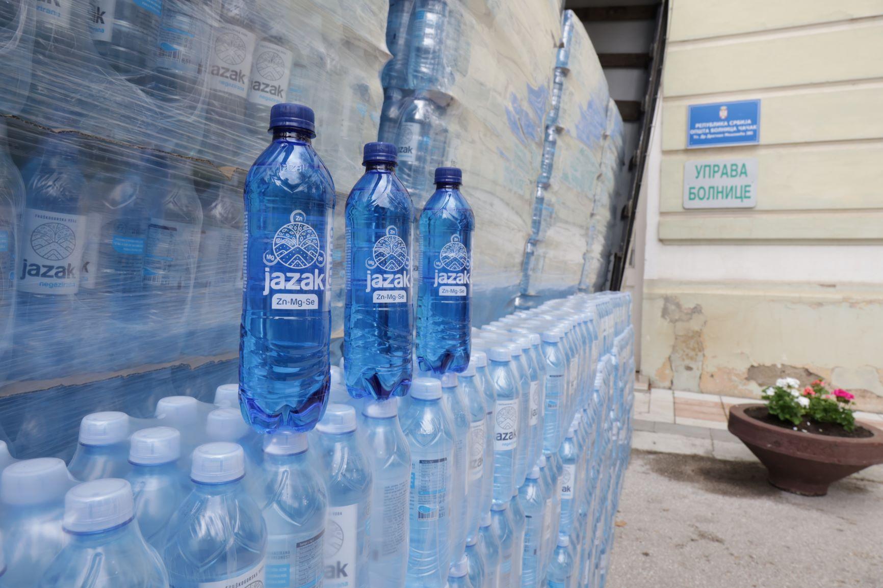 NIS donirao Jazak vodu Opštoj bolnici u Čačku