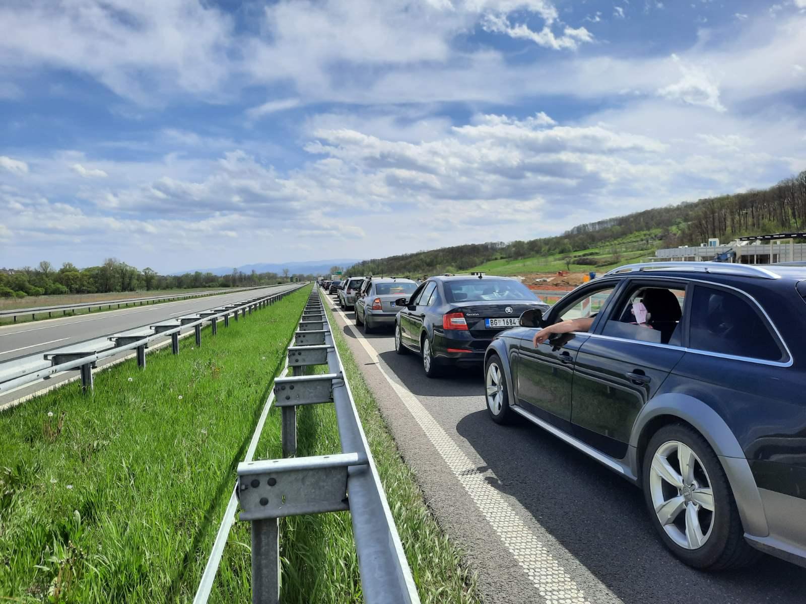 KILOMETARSKE KOLONE NA AUTO-PUTU MILOŠ VELIKI