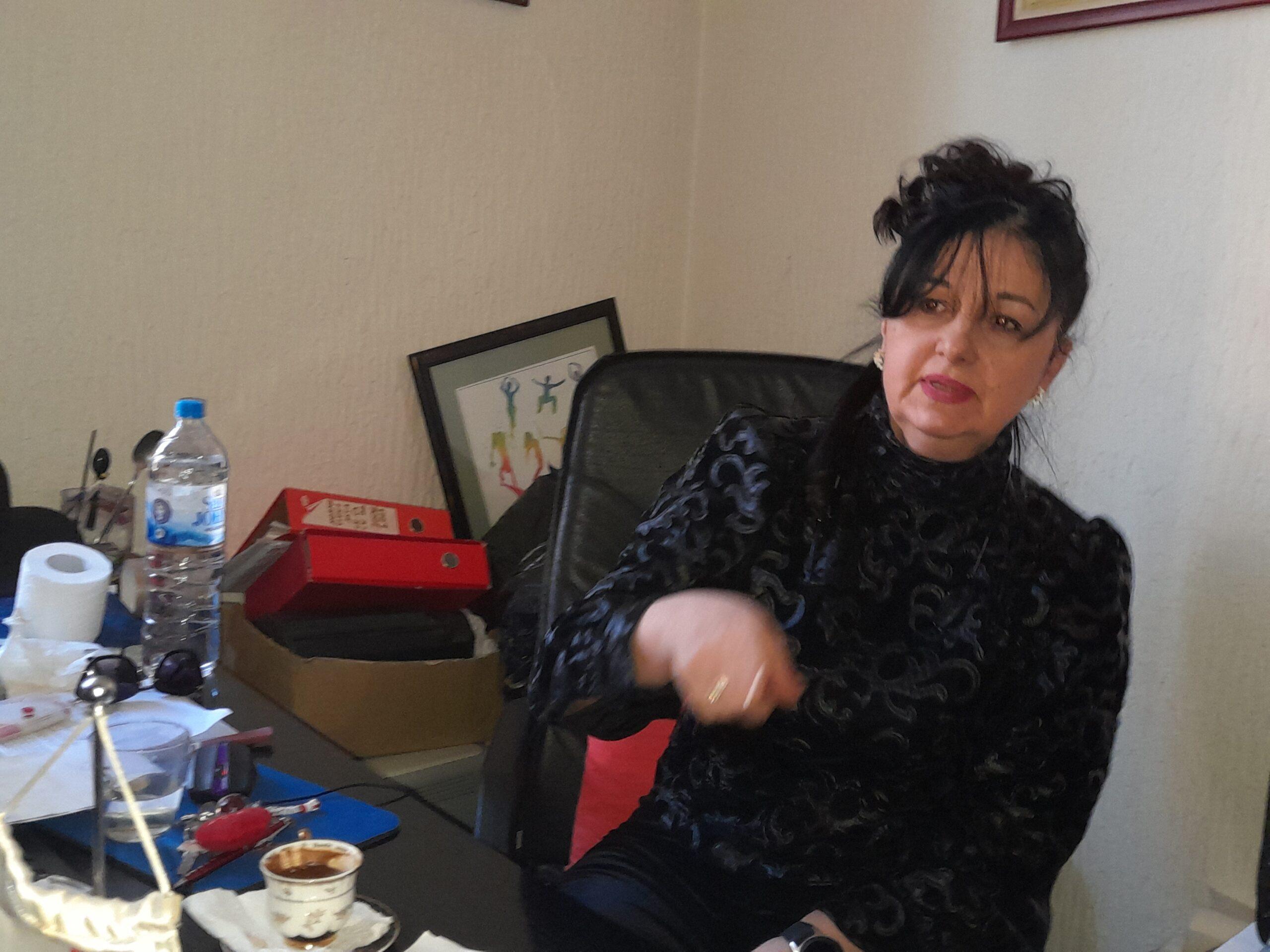 Biljana Davidović tvrdi da je radnica pretukla, strahuje za svoju bezbednost
